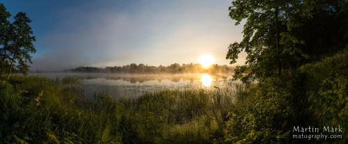 Päikesetõus Rõuge Suurjärve ääres