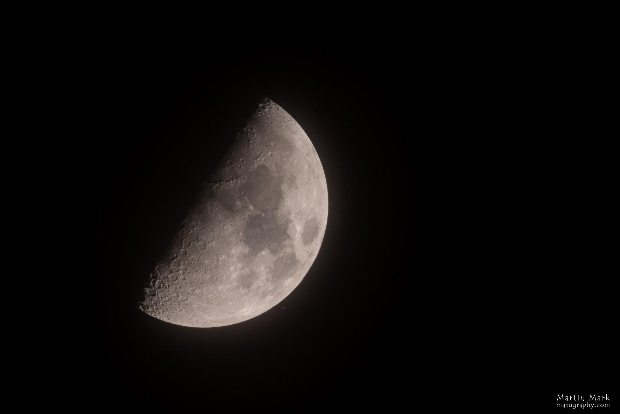 Kuu ja Aldebaran